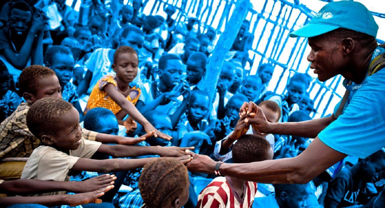 Læs her historien bag unicef. Unicefs værdier og vision for alle verdens børn